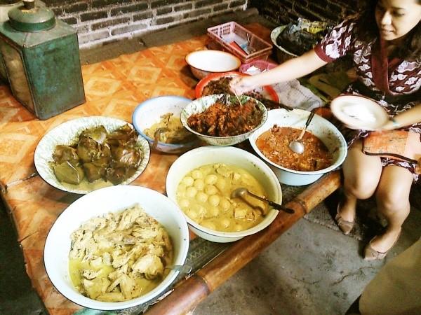Gudeg Pawon - Kuliner Legendaris di Yogyakarta