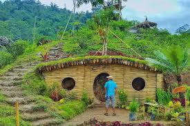 Rumah Hobit Adalah Salah Satu 25 Destinasi Wisata Di Jogja