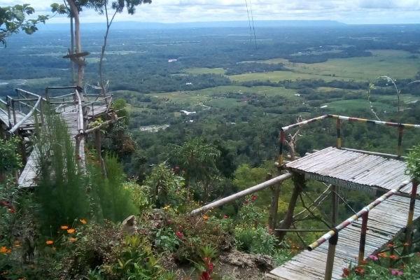 Jogja menjadi destinasi wisata favorit yang tidak pernah sepi oleh pengunjung ataupun wisa Puncak Ngepoh : Daya Tarik, Fasilitas, Rute, Jam Buka dan Harga Tiket